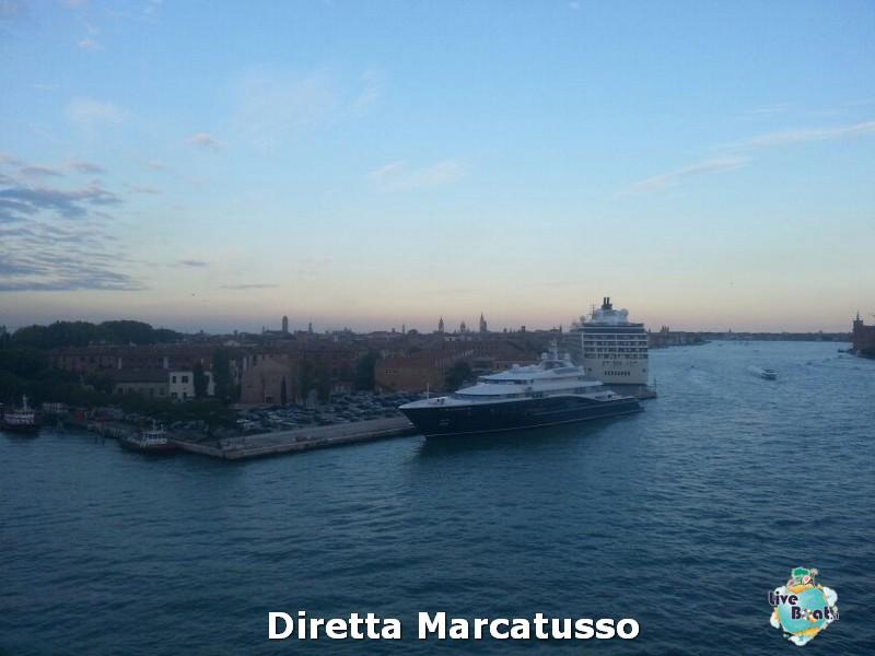 2013/10/13 - Venezia (imbarco)-msc-fantasia-venezia-diretta-liveboat-crociere-11-jpg