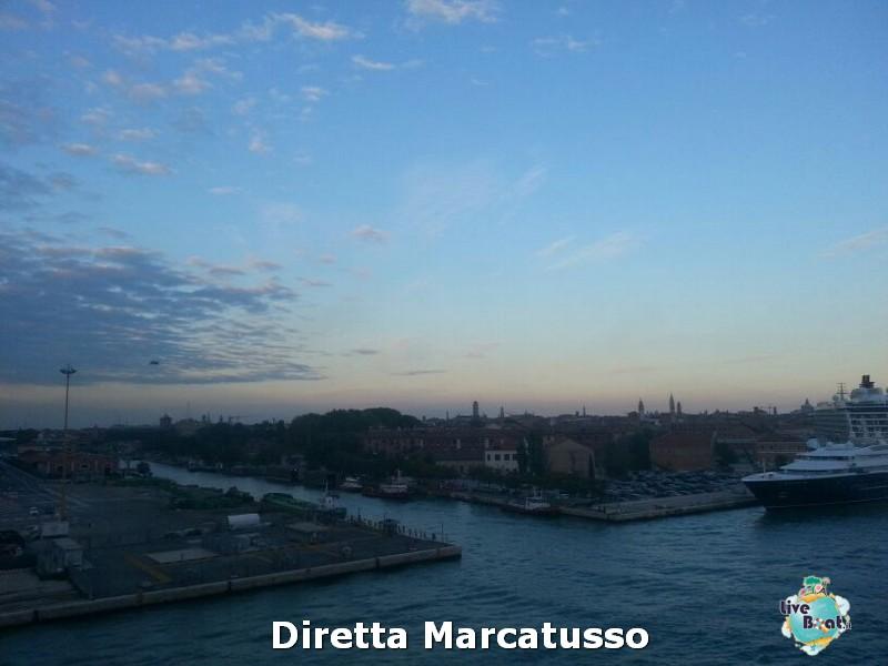2013/10/13 - Venezia (imbarco)-msc-fantasia-venezia-diretta-liveboat-crociere-14-jpg