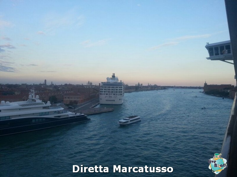 2013/10/13 - Venezia (imbarco)-msc-fantasia-venezia-diretta-liveboat-crociere-15-jpg