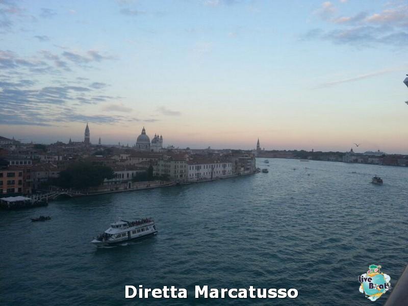 2013/10/13 - Venezia (imbarco)-msc-fantasia-venezia-diretta-liveboat-crociere-30-jpg