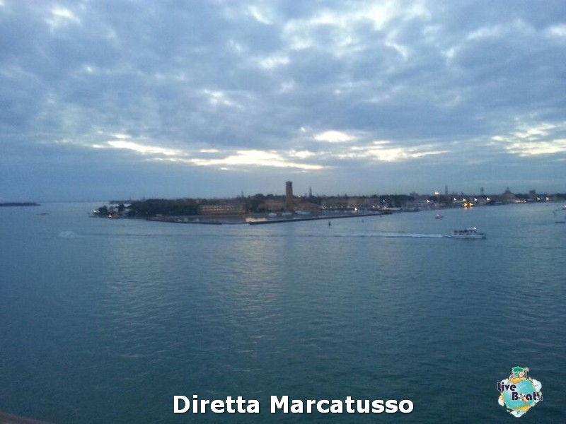 2013/10/13 - Venezia (imbarco)-msc-fantasia-venezia-diretta-liveboat-crociere-16-jpg