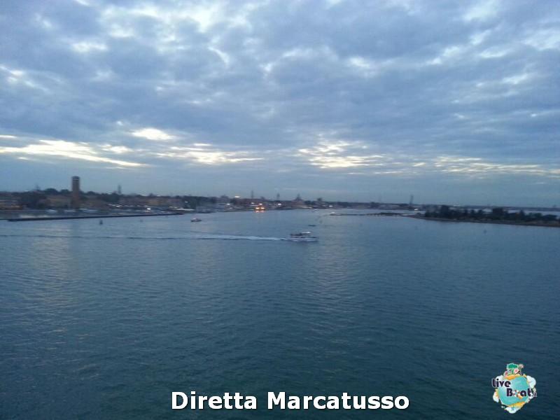 2013/10/13 - Venezia (imbarco)-msc-fantasia-venezia-diretta-liveboat-crociere-17-jpg