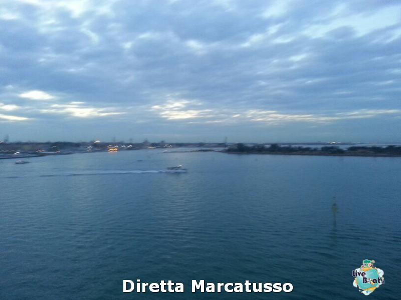 2013/10/13 - Venezia (imbarco)-msc-fantasia-venezia-diretta-liveboat-crociere-18-jpg
