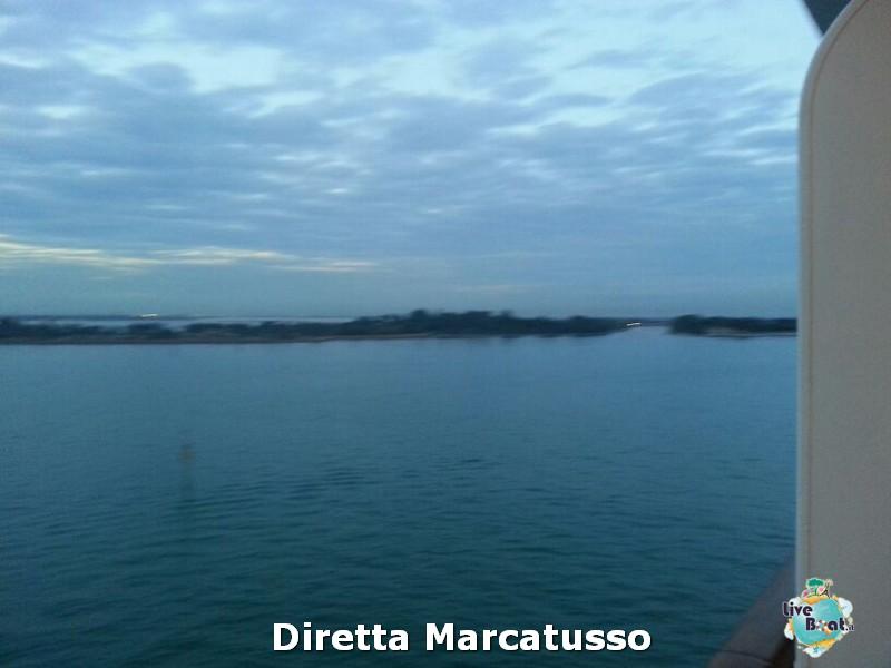 2013/10/13 - Venezia (imbarco)-msc-fantasia-venezia-diretta-liveboat-crociere-20-jpg