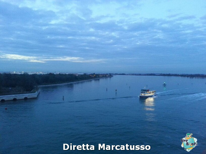 2013/10/13 - Venezia (imbarco)-msc-fantasia-venezia-diretta-liveboat-crociere-3-jpg