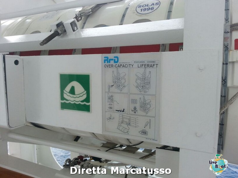2013/10/14 - Bari-msc-fantasia-bari-diretta-liveboat-crociere-4-jpg