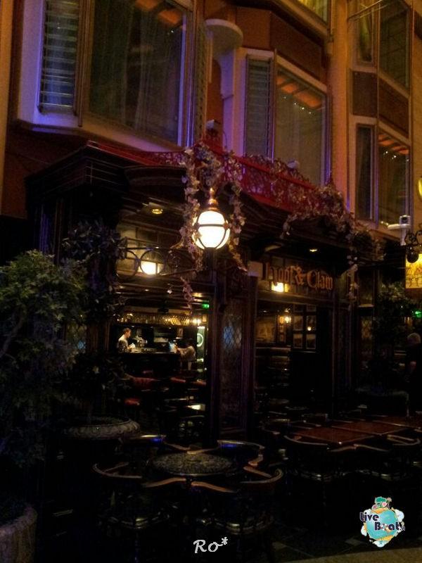 I bar - locali della Royal Promenade di Liberty ots-33-foto-libertyofttheseas-liveboatcrociere-jpg