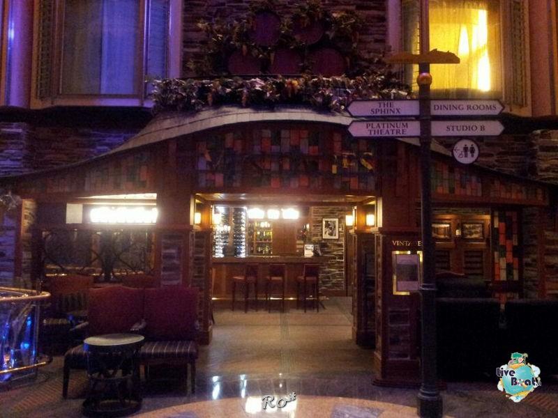 I bar - locali della Royal Promenade di Liberty ots-34foto-libertyofttheseas-liveboatcrociere-jpg