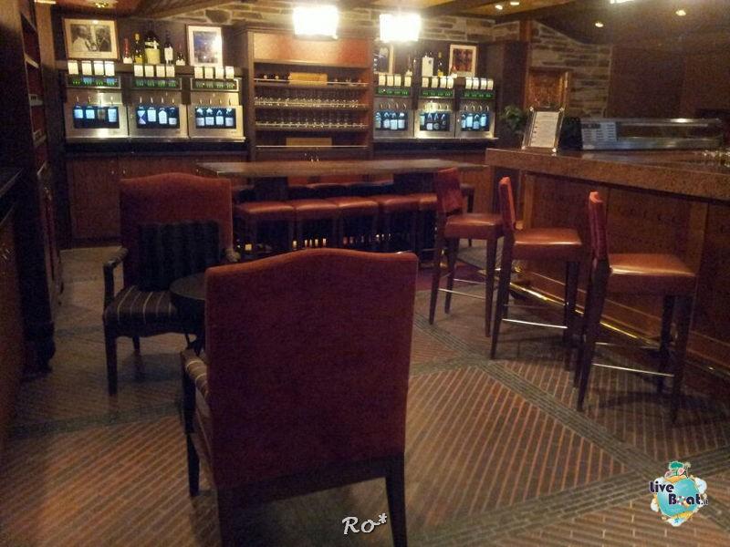 I bar - locali della Royal Promenade di Liberty ots-37-foto-libertyofttheseas-liveboatcrociere-jpg