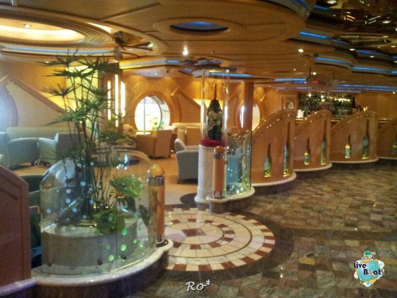 I bar - locali della Royal Promenade di Liberty ots-47foto-libertyofttheseas-liveboatcrociere-jpg