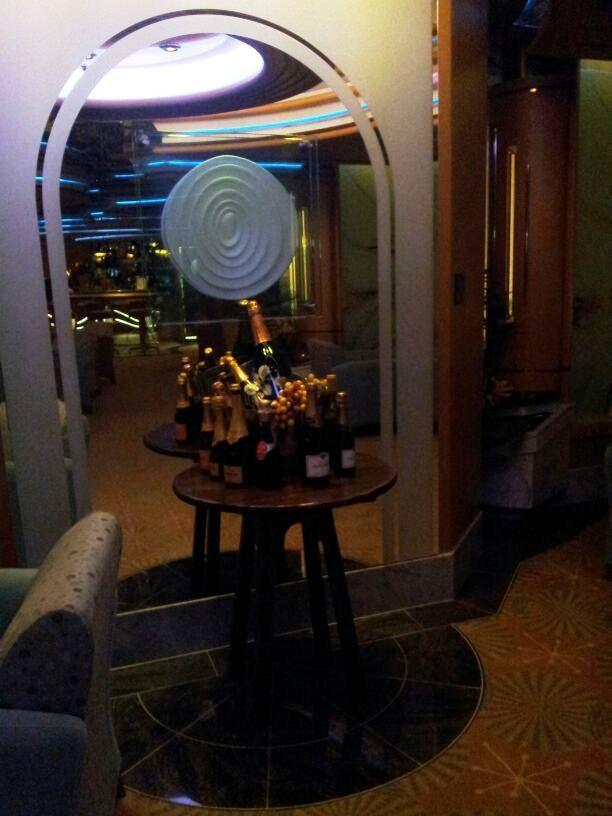 I bar - locali della Royal Promenade di Liberty ots-51foto-libertyofttheseas-liveboatcrociere-jpg