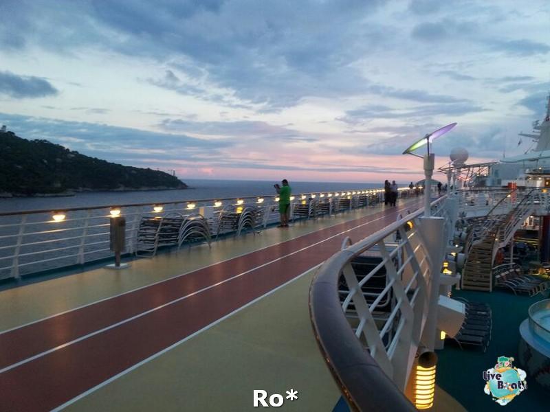 -1-libertyofttheseas-liveboatcrociere-jpg