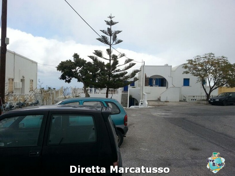 2013/10/16 - Santorini-msc-fantasia-santorini-diretta-liveboat-crociere-11-jpg