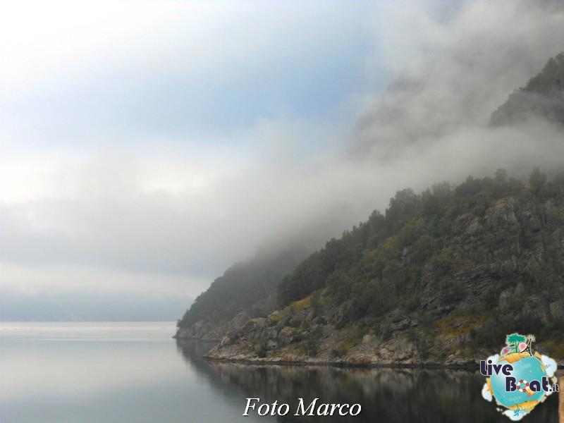 Navigazione turistica lungo il Geirangerfjord-8-liveboat-fiordi-jpg