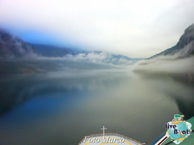 Navigazione turistica lungo il Geirangerfjord-11-liveboat-fiordi-jpg