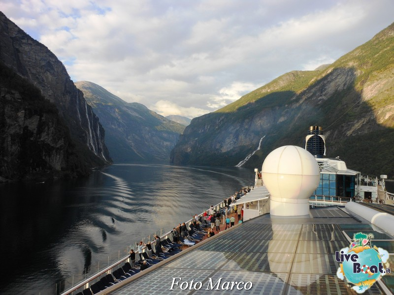 Navigazione turistica lungo il Geirangerfjord-20-liveboat-fiordi-jpg