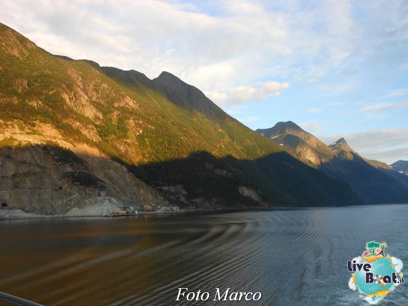 Navigazione turistica lungo il Geirangerfjord-22-liveboat-fiordi-jpg