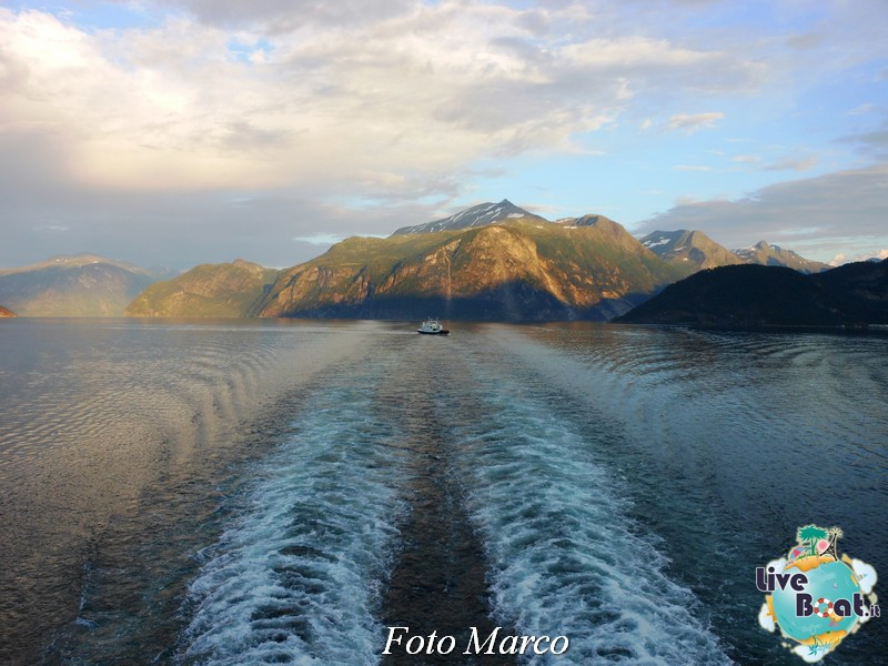 Navigazione turistica lungo il Geirangerfjord-25-liveboat-fiordi-jpg