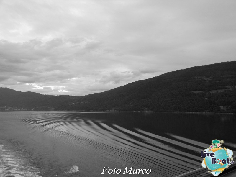 Navigazione turistica lungo l'Oldenfjord-26-liveboat-fiordi-jpg