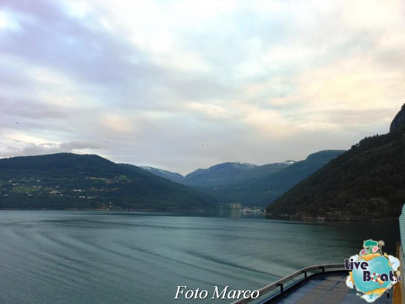 Navigazione turistica lungo l'Oldenfjord-27-liveboat-fiordi-jpg
