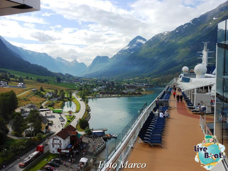 Navigazione turistica lungo l'Oldenfjord-28-liveboat-fiordi-jpg