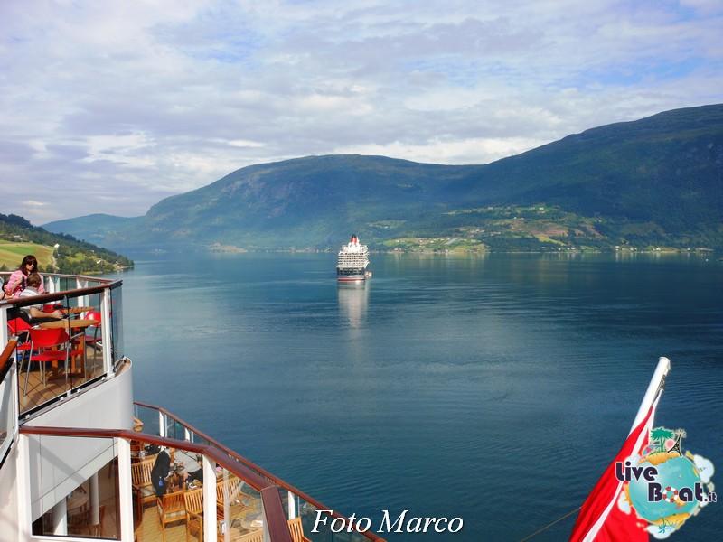 Navigazione turistica lungo l'Oldenfjord-29-liveboat-fiordi-jpg