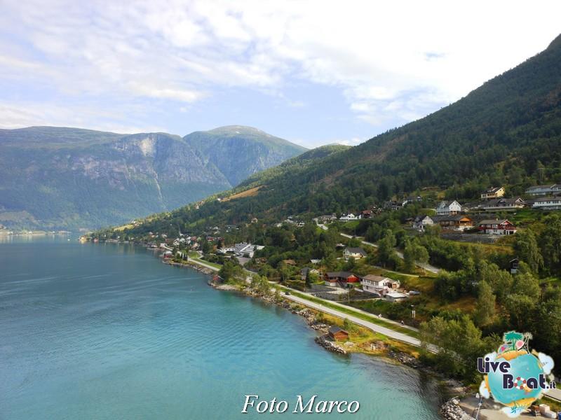 Navigazione turistica lungo l'Oldenfjord-30-liveboat-fiordi-jpg