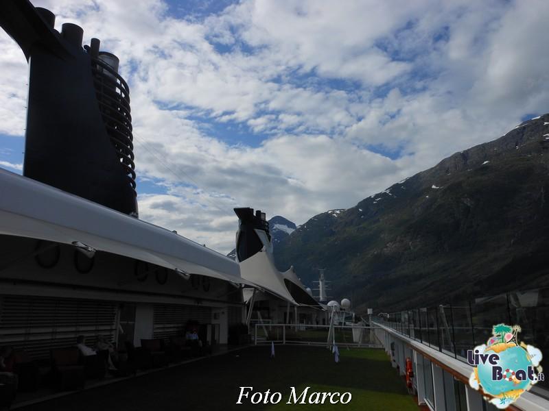 Navigazione turistica lungo l'Oldenfjord-32-liveboat-fiordi-jpg