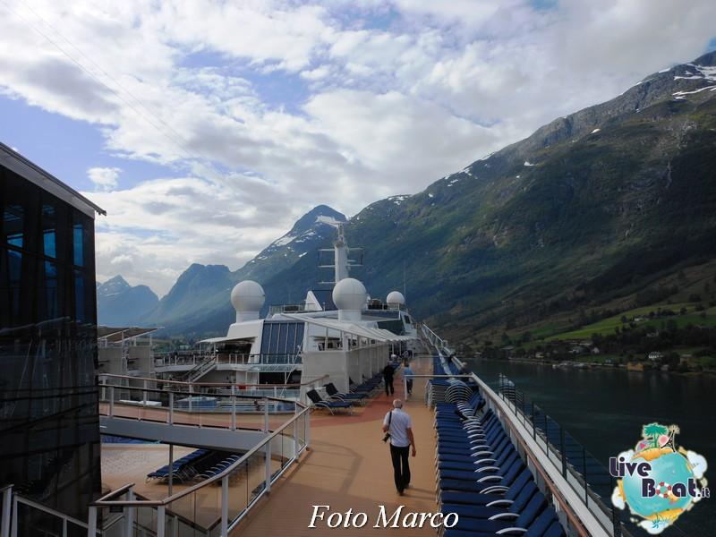 Navigazione turistica lungo l'Oldenfjord-33-liveboat-fiordi-jpg