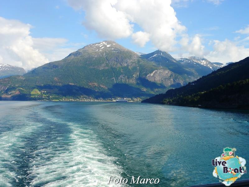 Navigazione turistica lungo l'Oldenfjord-43-liveboat-fiordi-jpg