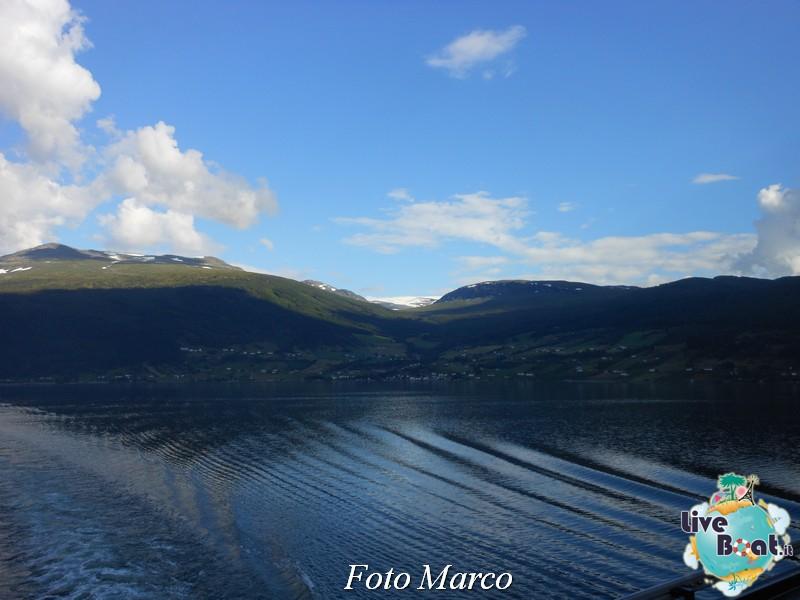 Navigazione turistica lungo l'Oldenfjord-44-liveboat-fiordi-jpg