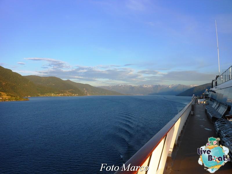 Navigazione turistica lungo il Sognefjord-49-liveboat-fiordi-jpg
