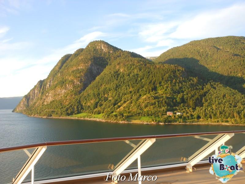 Navigazione turistica lungo il Sognefjord-50-liveboat-fiordi-jpg