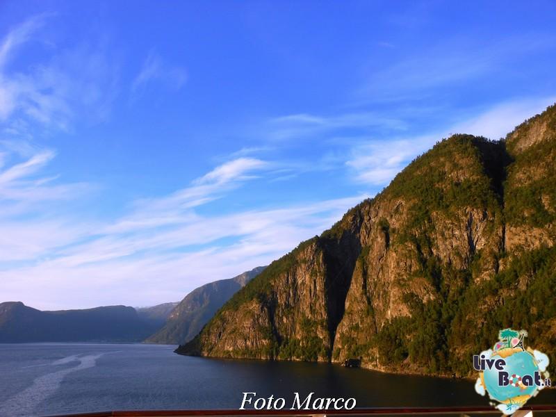 Navigazione turistica lungo il Sognefjord-51-liveboat-fiordi-jpg