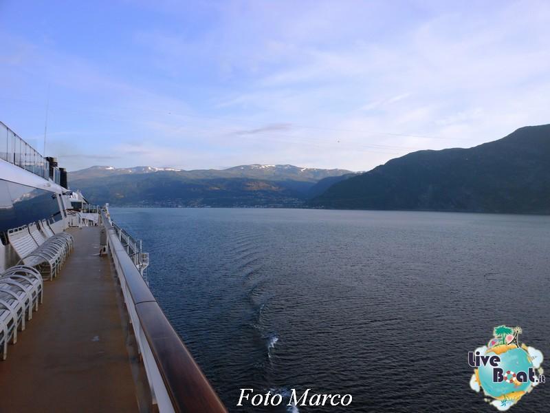 Navigazione turistica lungo il Sognefjord-52-liveboat-fiordi-jpg