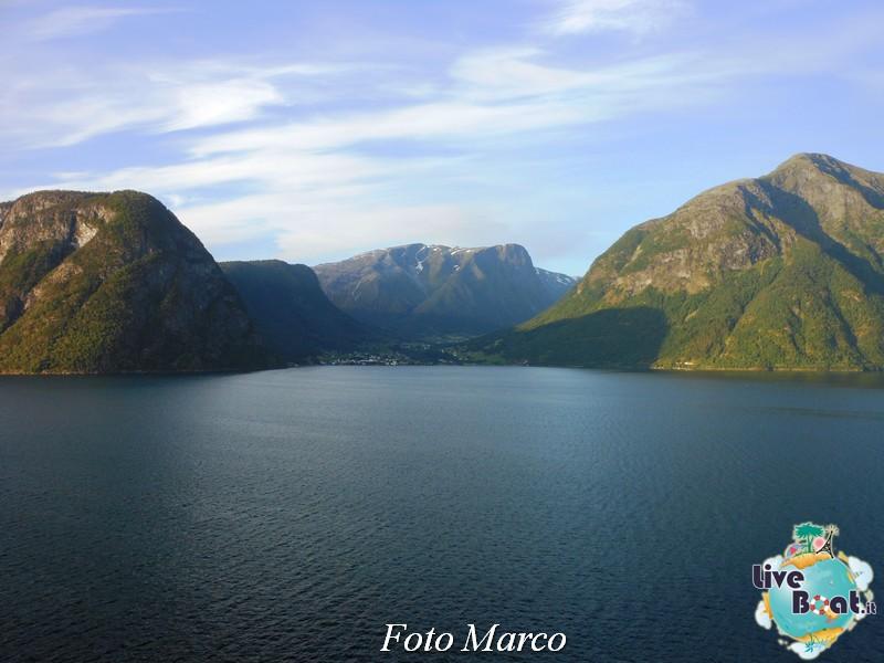 Navigazione turistica lungo il Sognefjord-54-liveboat-fiordi-jpg