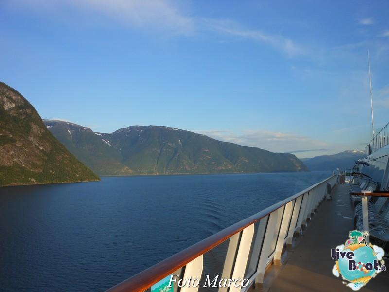 Navigazione turistica lungo il Sognefjord-55-liveboat-fiordi-jpg