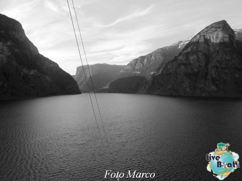 Navigazione turistica lungo il Sognefjord-58-liveboat-fiordi-jpg