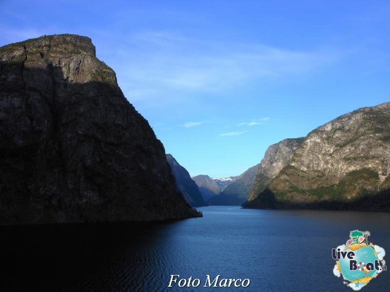 Navigazione turistica lungo il Sognefjord-59-liveboat-fiordi-jpg