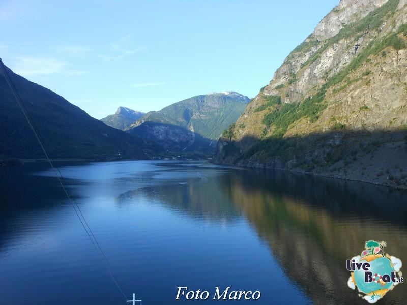 Navigazione turistica lungo il Sognefjord-63-liveboat-fiordi-jpg