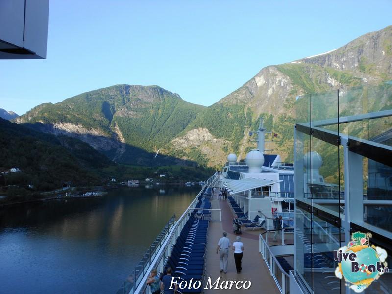 Navigazione turistica lungo il Sognefjord-66-liveboat-fiordi-jpg