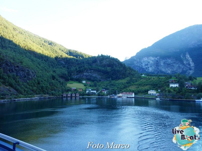 Navigazione turistica lungo il Sognefjord-72-liveboat-fiordi-jpg