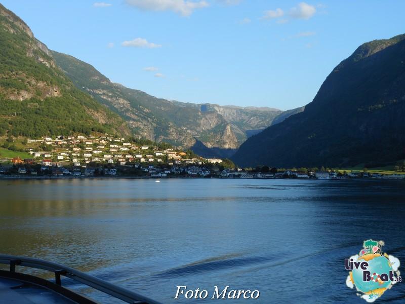 Navigazione turistica lungo il Sognefjord-74-liveboat-fiordi-jpg