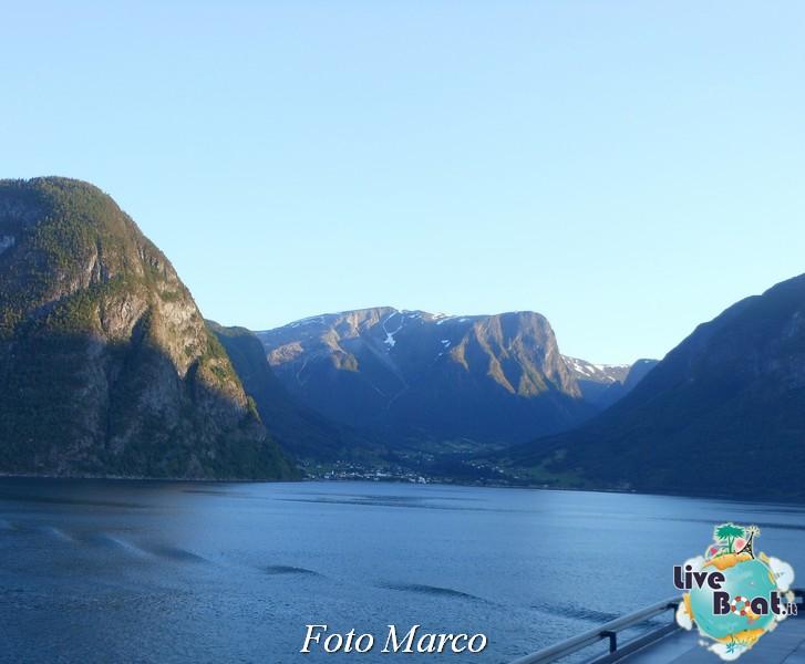 Navigazione turistica lungo il Sognefjord-76-liveboat-fiordi-jpg