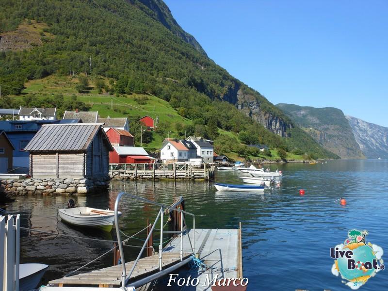 Cosa visitare a Flam -Norvegia--68-liveboat-fiordi-jpg