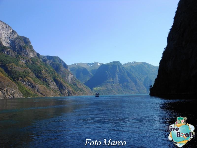 Cosa visitare a Flam -Norvegia--70-liveboat-fiordi-jpg