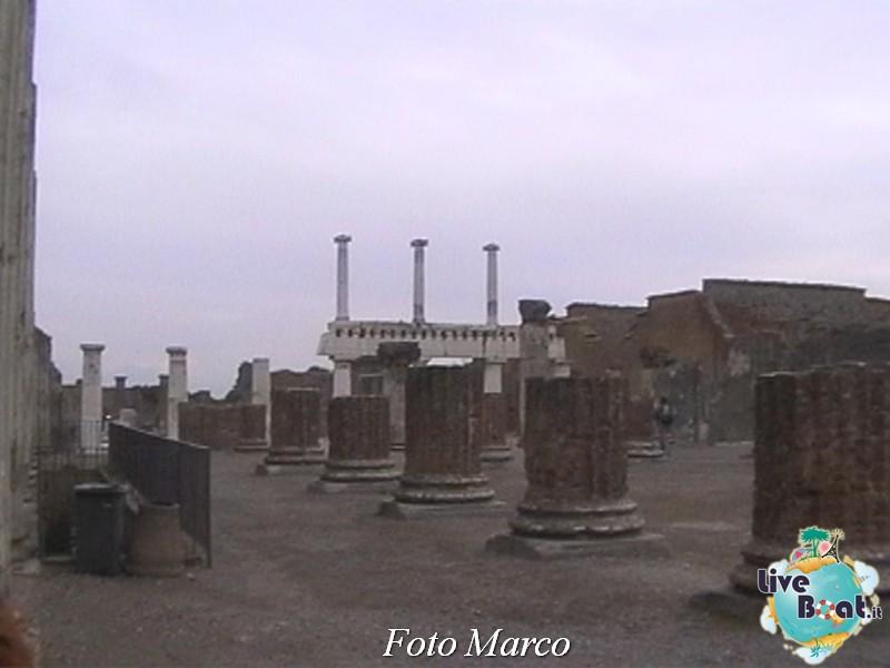 Cosa visitare a Napoli -Italia--16-liveboat-napoli-jpg
