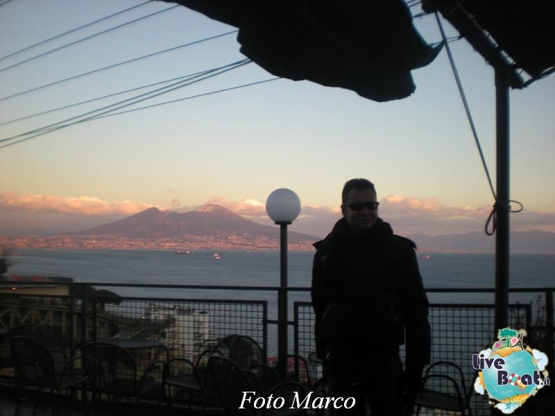 Cosa visitare a Napoli -Italia--73-liveboat-napoli-jpg