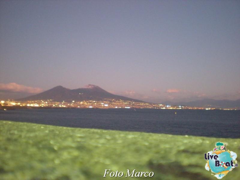 Cosa visitare a Napoli -Italia--78-liveboat-napoli-jpg