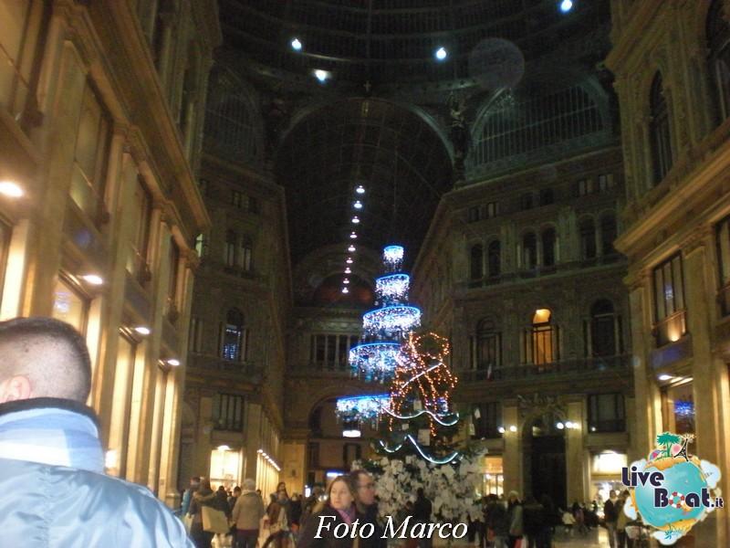 Cosa visitare a Napoli -Italia--84-liveboat-napoli-jpg